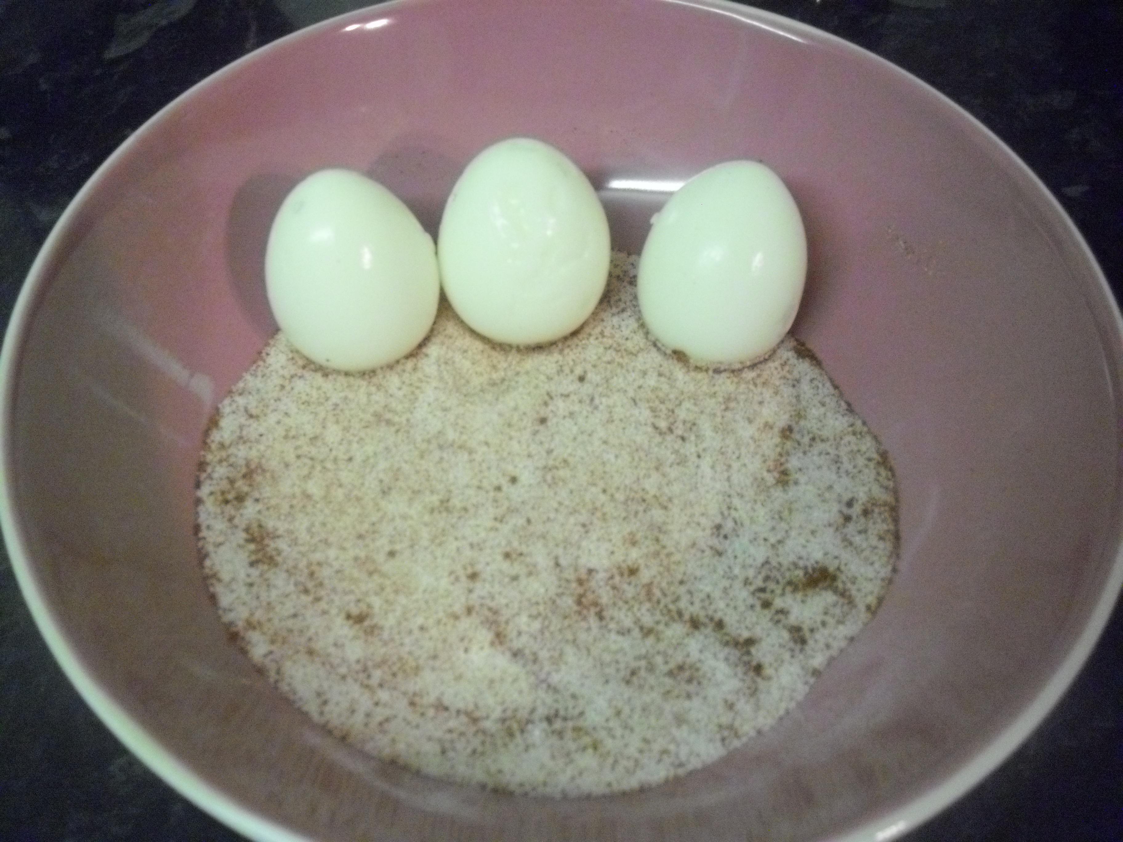 Recipe simple quail egg canap s hannahhotcakes for Quail egg canape